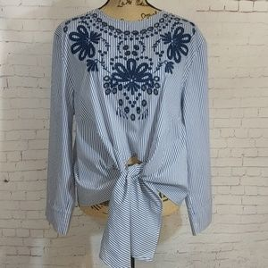 PARAPHRASE Knot Tie Embroidered Striped Shirt